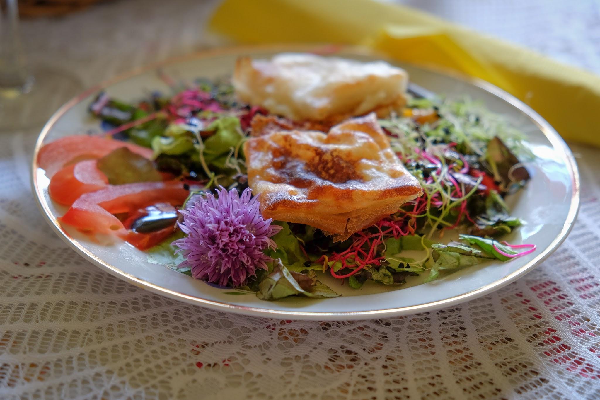 Traiteur évènement repas mariage produits frais locaux de saison agriculture biologique La Stroga Location de Chapiteaux, Traiteur, Bretagne
